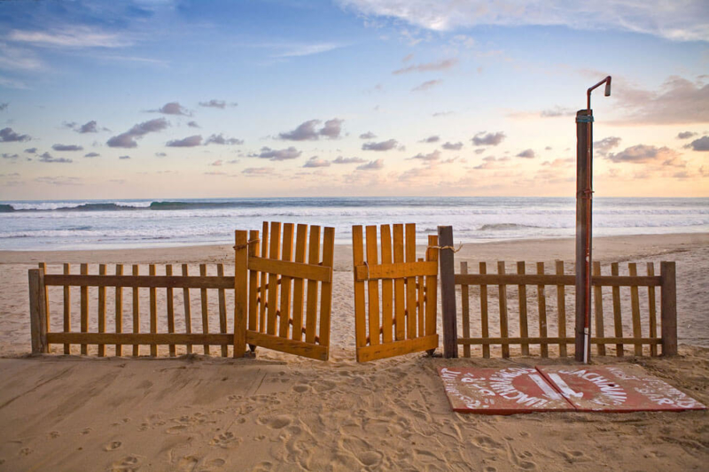Cute-fence-frames-the-beautiful-Manzanillo-Beach-in-Troncones-Guerrero-México