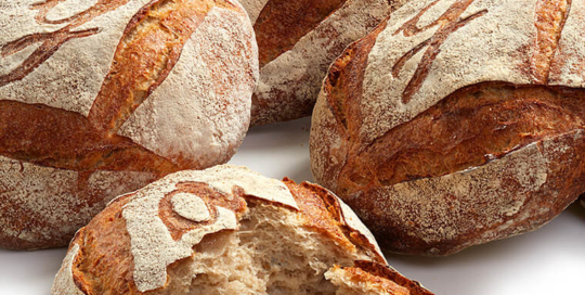 Gascogne bread - Still life photography by Pierre Arsenault, professional photographer